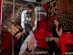 Crossdressing, Femdom, French, Humiliation, Maid, Sissy