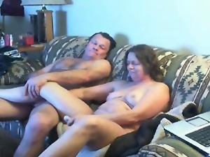 Amateur, Hidden cam, Home, Masturbating, Mature, Mom, Voyeur, Watching