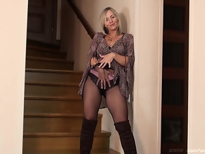 Blondes, Boots, Milf, Mom, Pantyhose, Solo, Tease