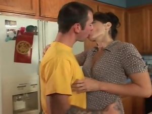 Seduced by a housewife that sucks his cock